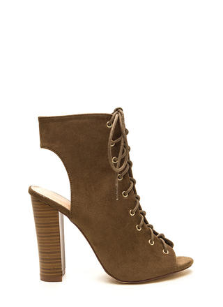 Chic Outlook Lace-Up Chunky Heels