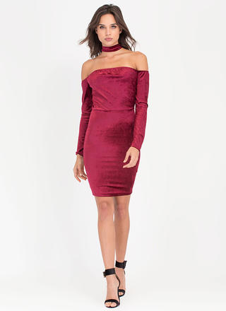 Choker Crush Velvet Off-Shoulder Dress