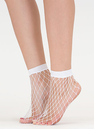 Plenty Of Fishnet Ankle Socks