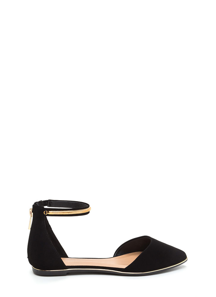 Point Out Faux Nubuck Chain Flats