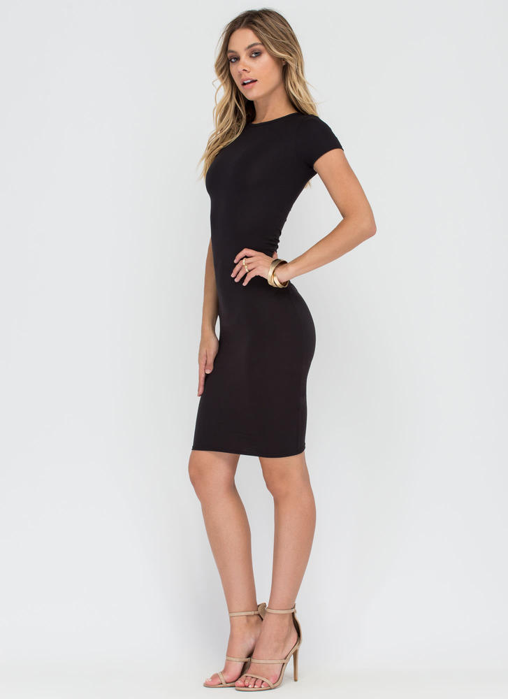 Fits You To A T-Shirt Midi Dress BLACK