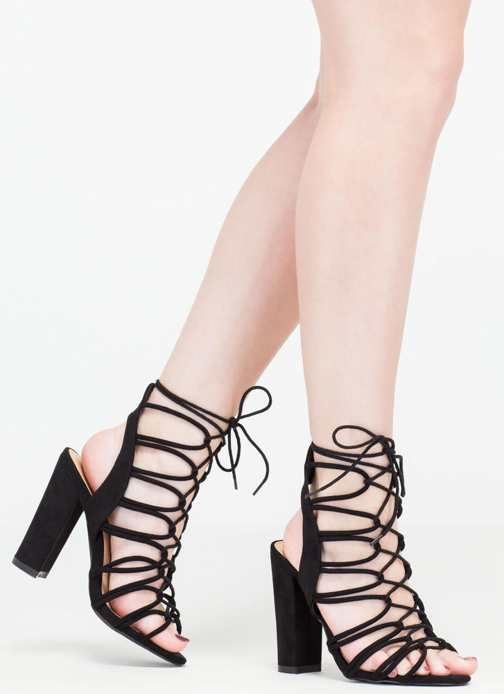 Finding Loopholes Lace-Up Chunky Heels BLACK
