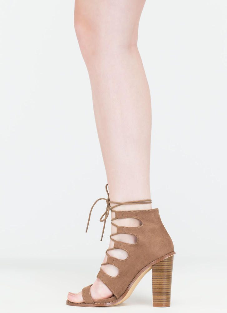 Foot Notes Lace-Up Chunky Heels TAUPE