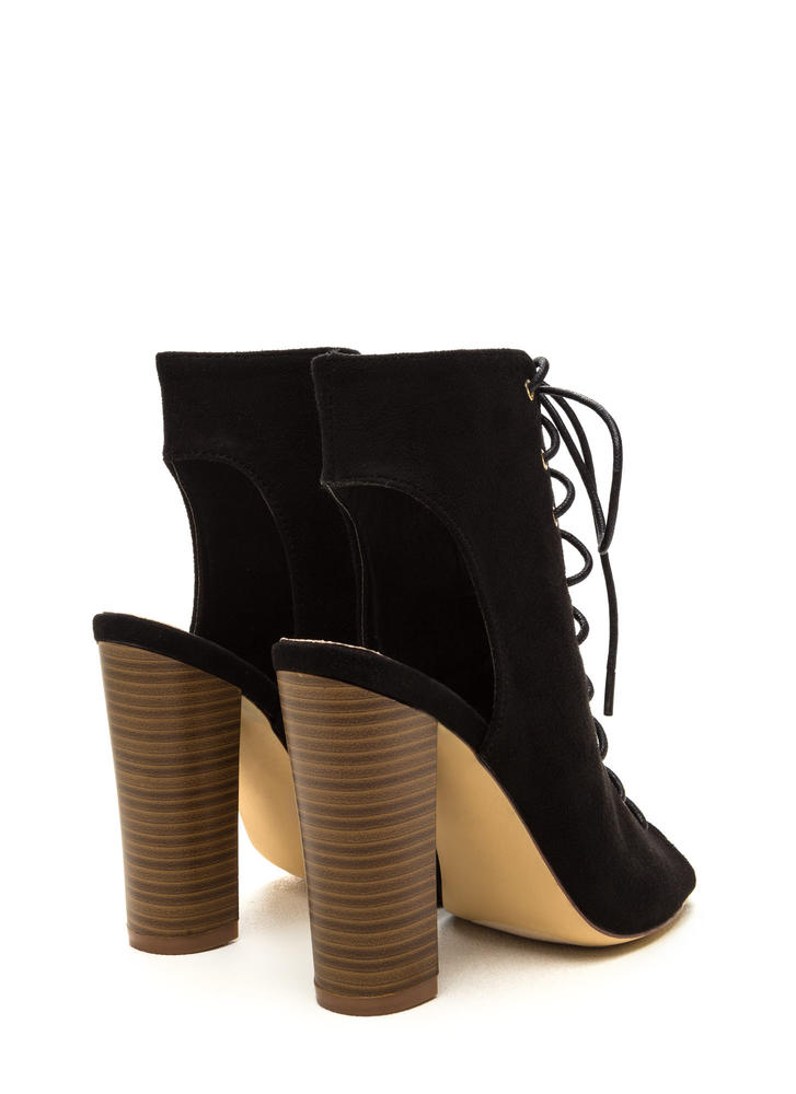 Chic Outlook Lace-Up Chunky Heels BLACK