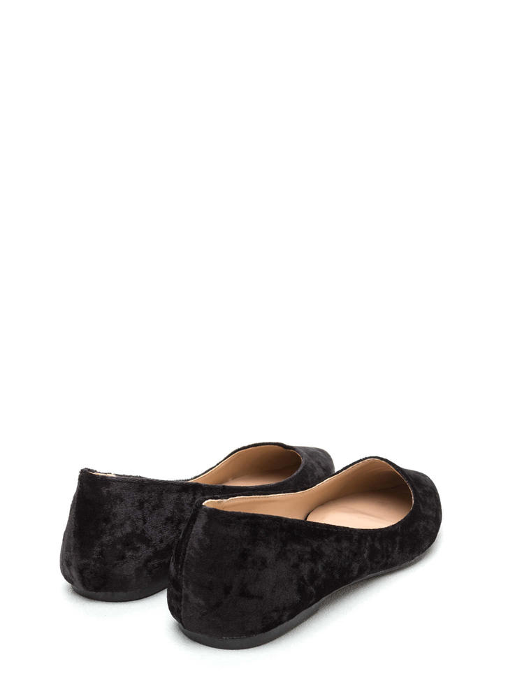 Crushing Blow Pointy Velvet Flats BLACK