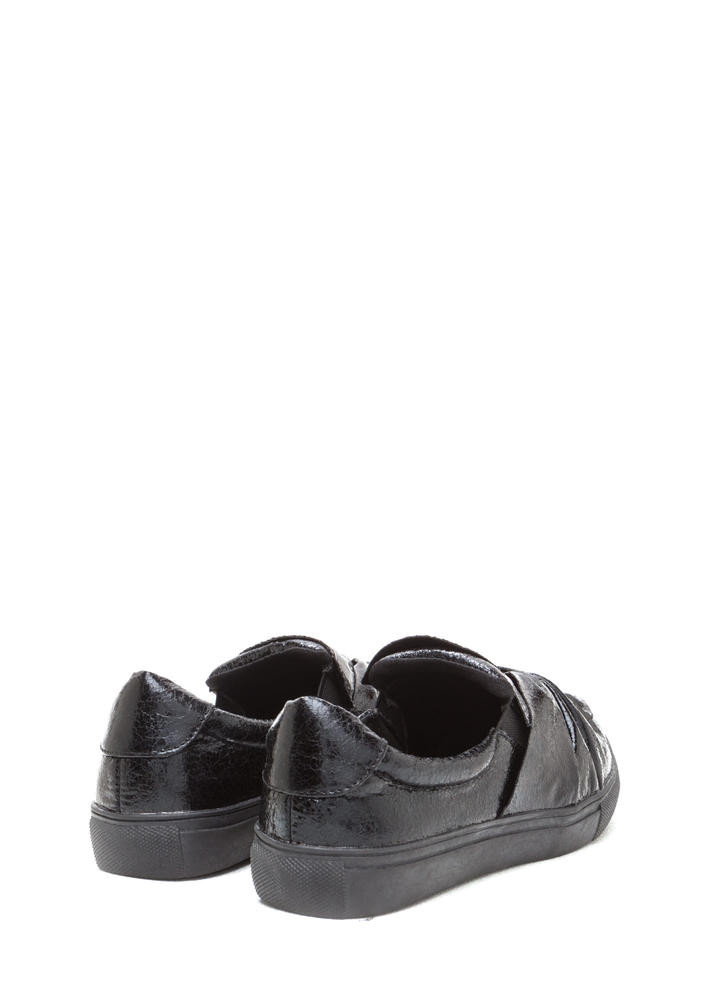 Knot Your Average Slip-On Sneakers BLACK