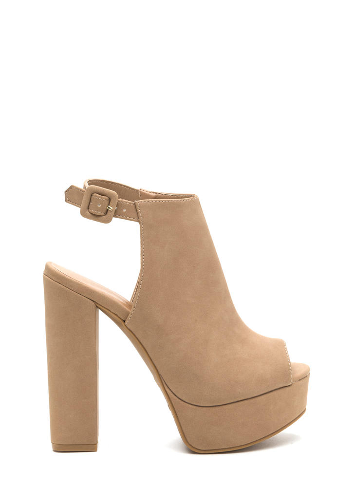 Chic Power Cut-Out Chunky Platform Heels