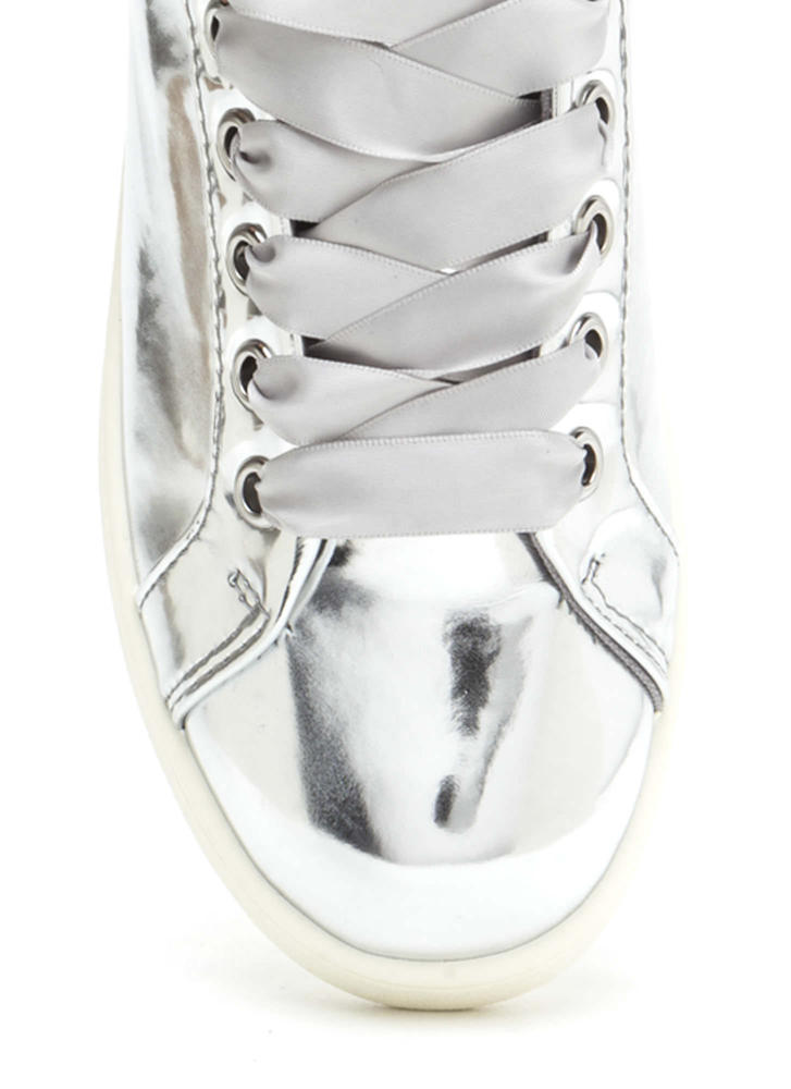 Tie The Ribbon Faux Patent Sneakers SILVER