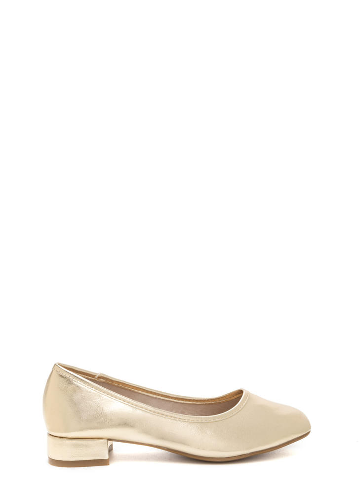 Short And Sweet Shiny Block Heel Pumps GOLD
