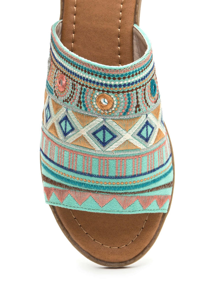 In Shapes Embroidered Slip-On Sandals MINT