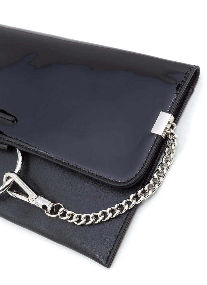 Ring It Up Chained Rectangle Clutch BLACK