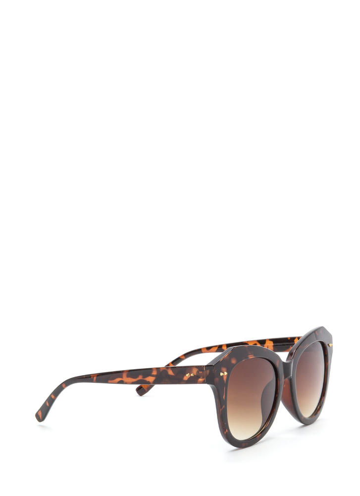 Boardwalk Babe Oversized Sunglasses BROWN