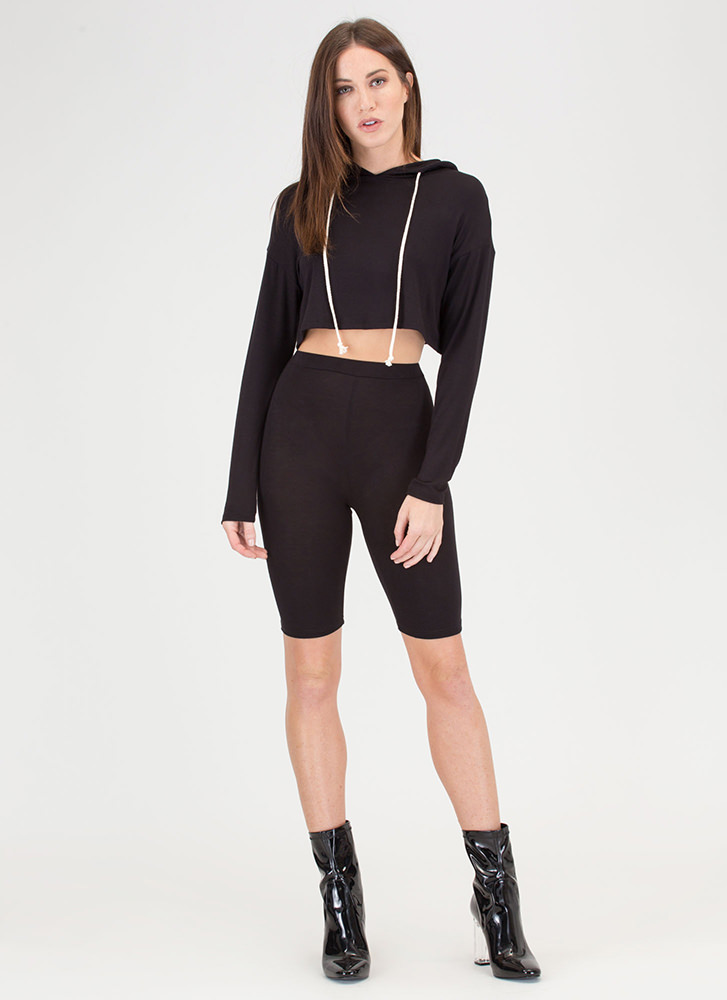 Hood Vibrations Crop Top And Shorts Set BLACK