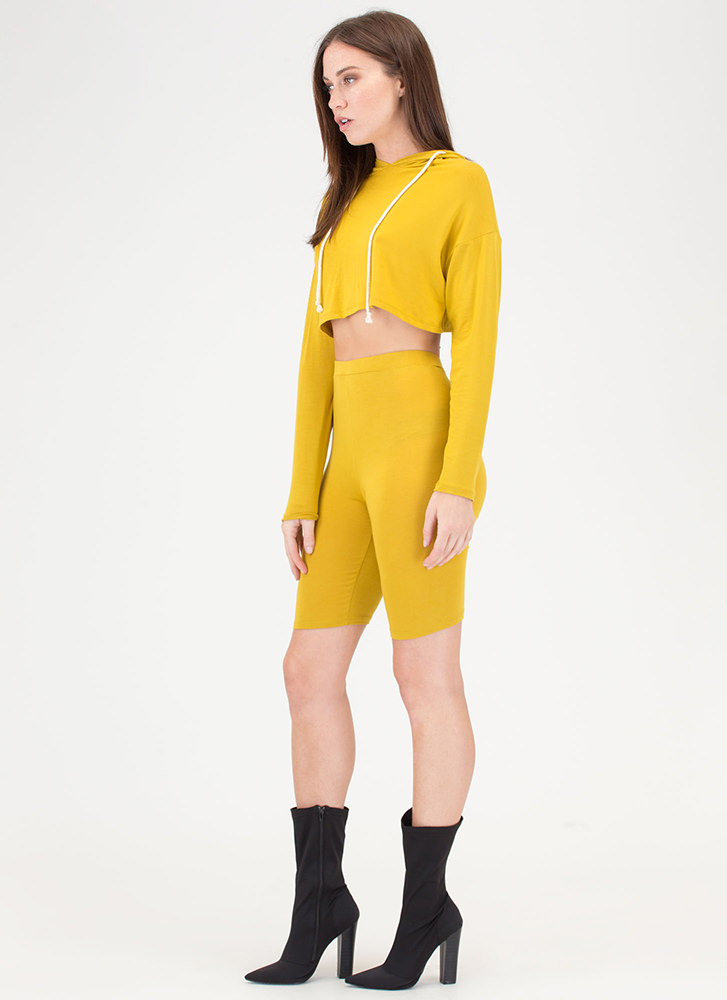 Hood Vibrations Crop Top And Shorts Set CHARTREUSE