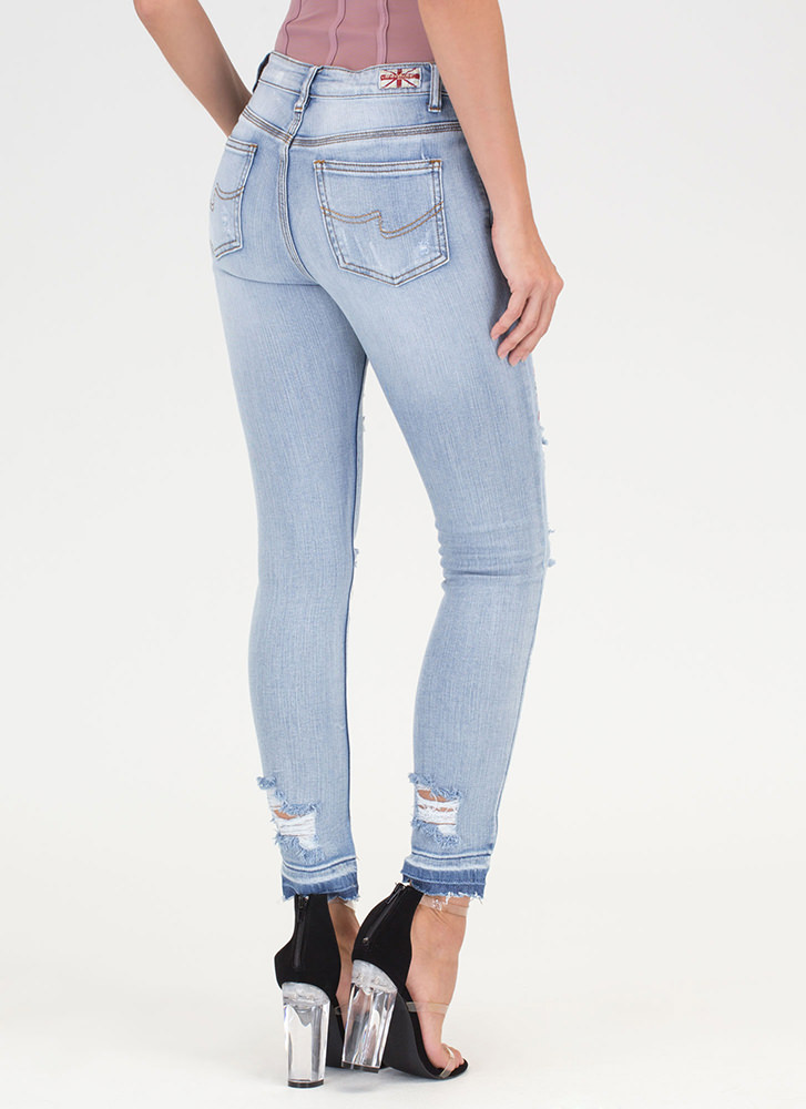 Cherry Blossoming Distressed Jeans LTBLUE
