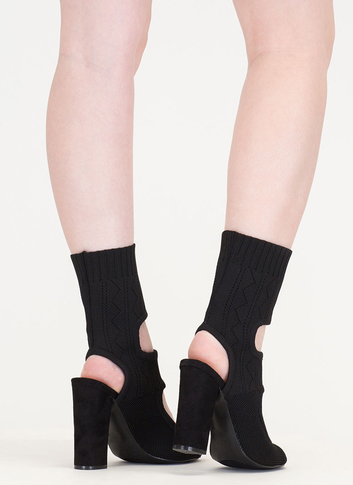 Knit Your Stride Cut-Out Chunky Booties BLACK