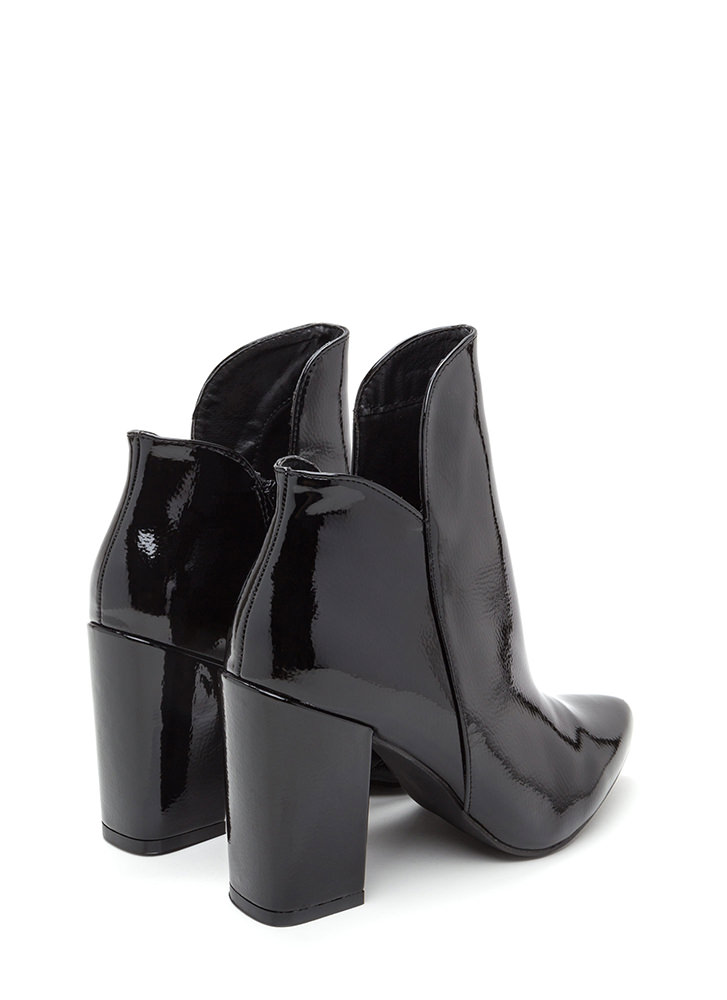 Smooth Transition Pointy Chunky Booties BLACK